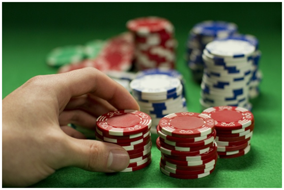 德州扑克中的四二法则